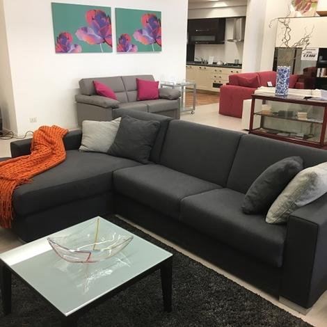 Divano bodema modello joao con chaise longue e letto interno divani a prezzi scontati - Divano letto con chaise longue ...