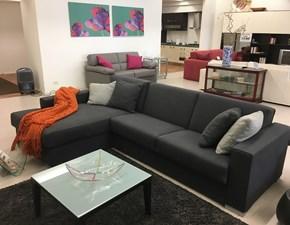 Divano Bodema modello Joao con chaise longue e letto interno