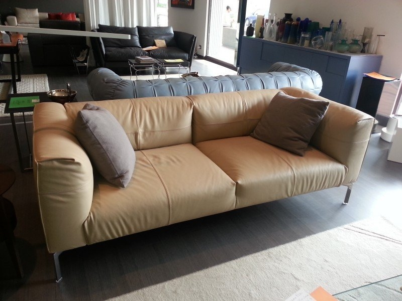 Poltrona frau divani idee per il design della casa - Divano letto poltrona frau ...