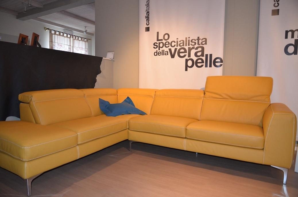 offerta divano angolare divano in pelle colore senape angolare in offerta divani