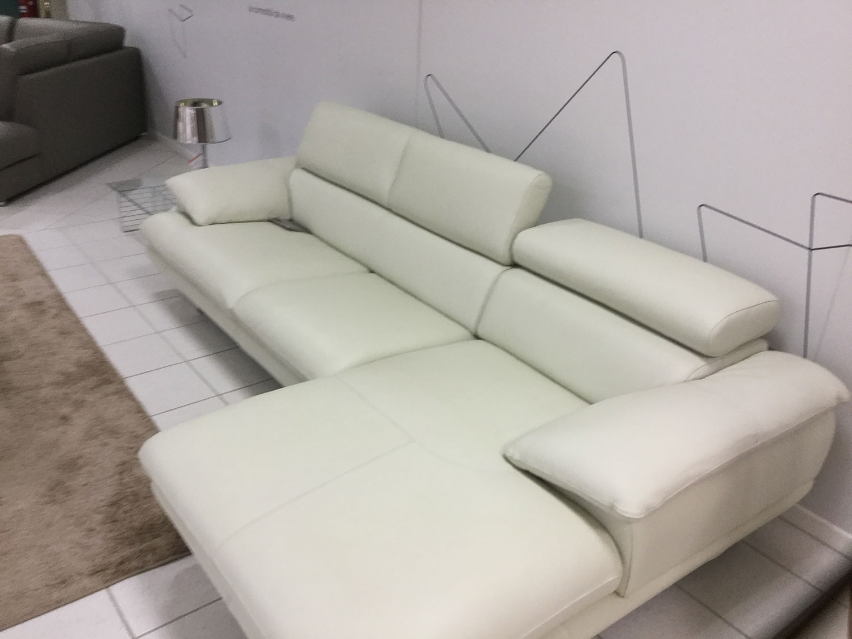 Beautiful divano 2 posti con chaise longue photos for Chaise longue divani e divani