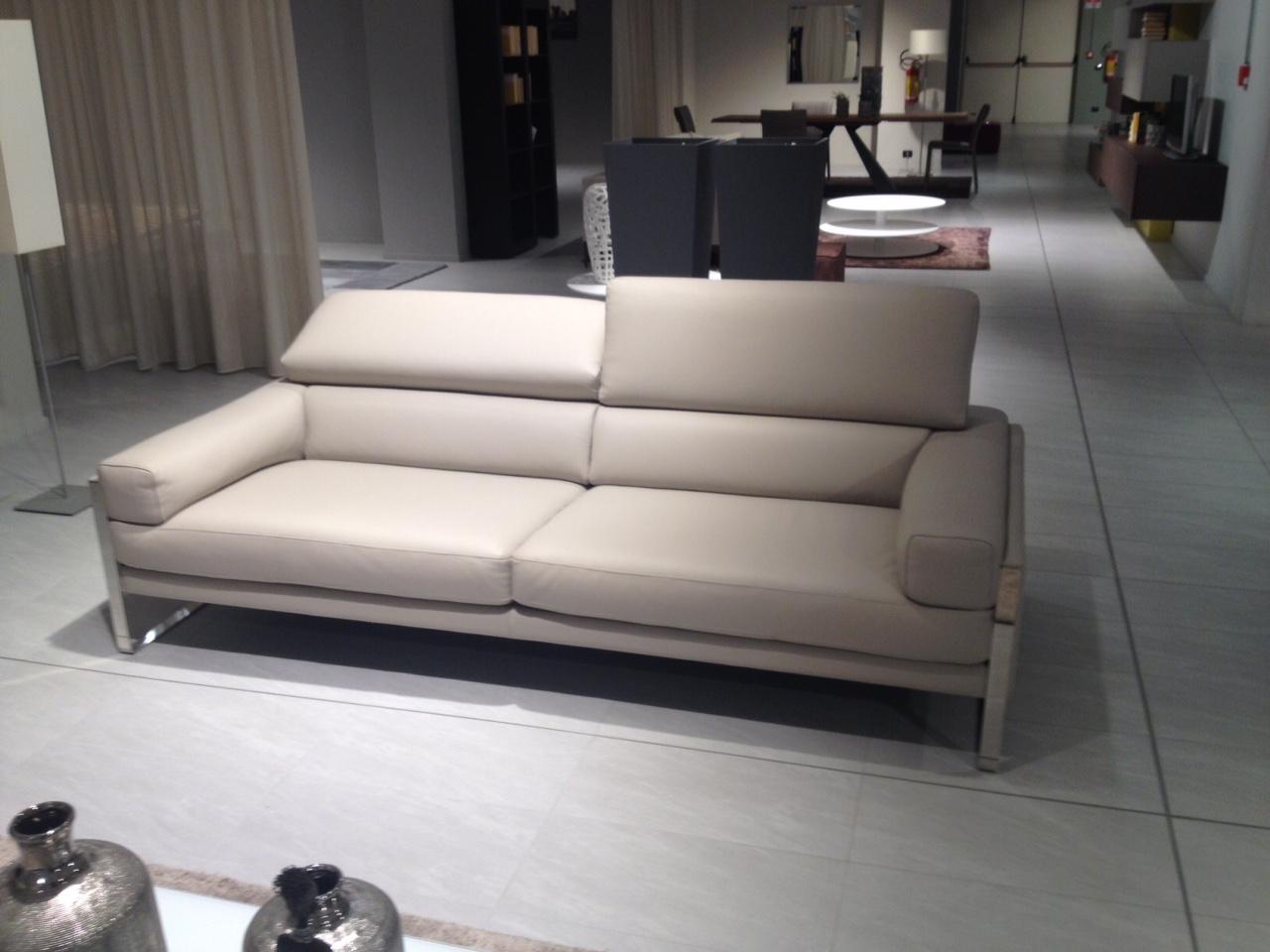 divano calia romeo pelle 3 posti 2 posti divani a. Black Bedroom Furniture Sets. Home Design Ideas