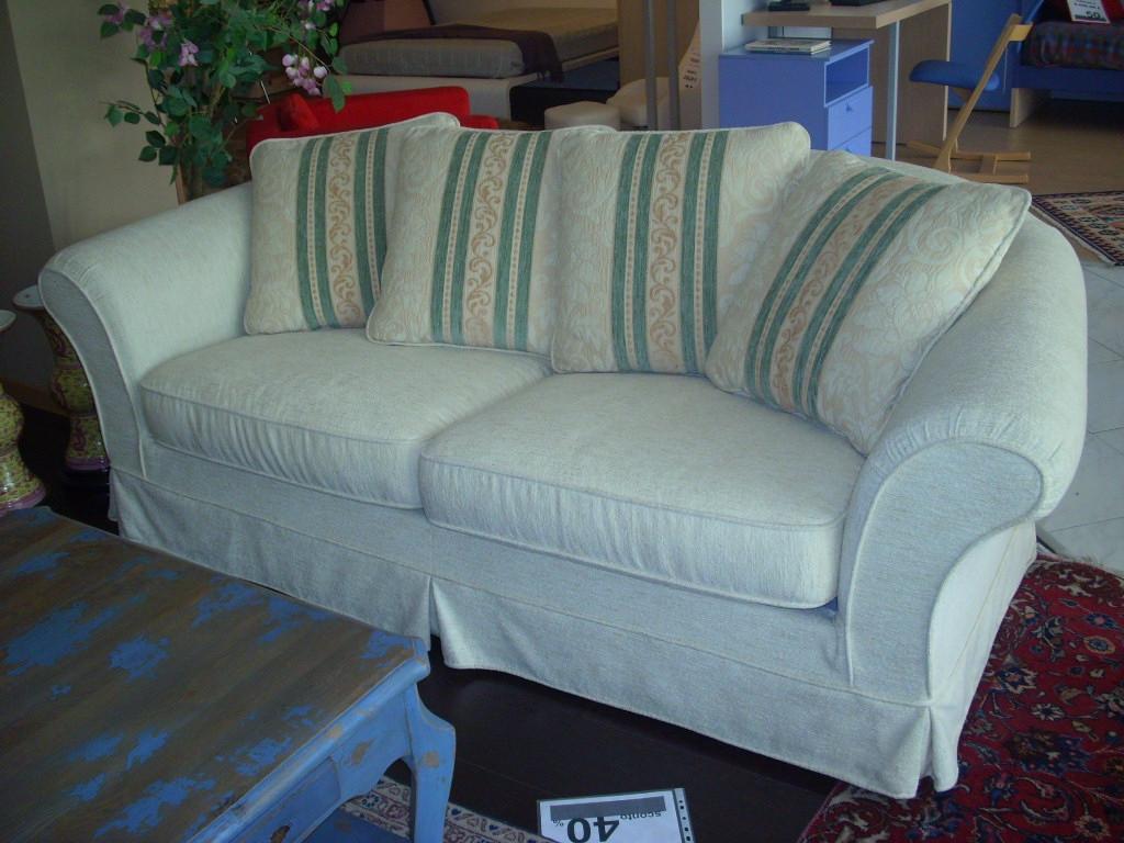 Divano classico milord a 3 posti sconto 50 divani a prezzi scontati - Divano detrazione 50 ...