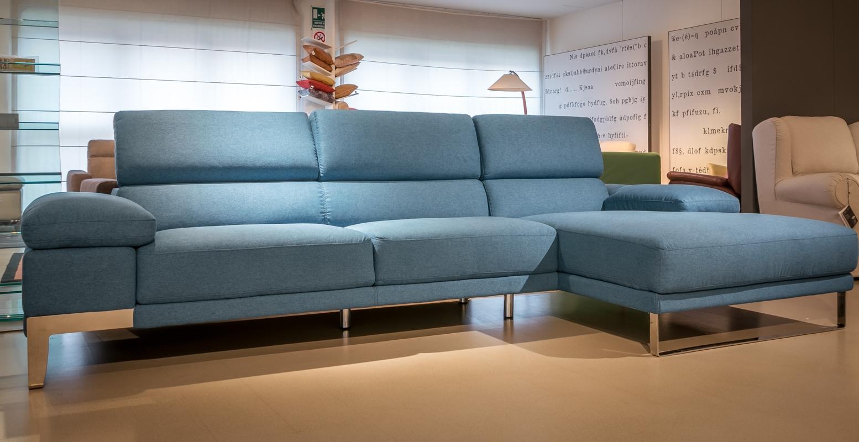 Divano con chaise longue domus di nicoletti scontato del for Divani moderni con chaise longue