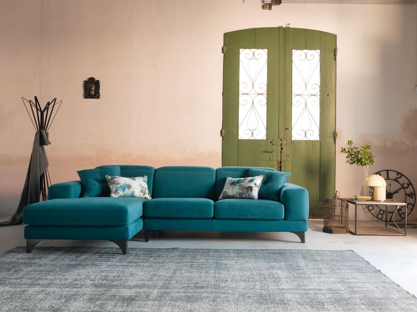 Divano con chaise longue harvey scontato del 35 divani for Outlet arredamento divani