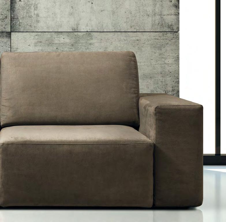 Divano con chaise longue modello glide della errebi for Divani moderni con chaise longue