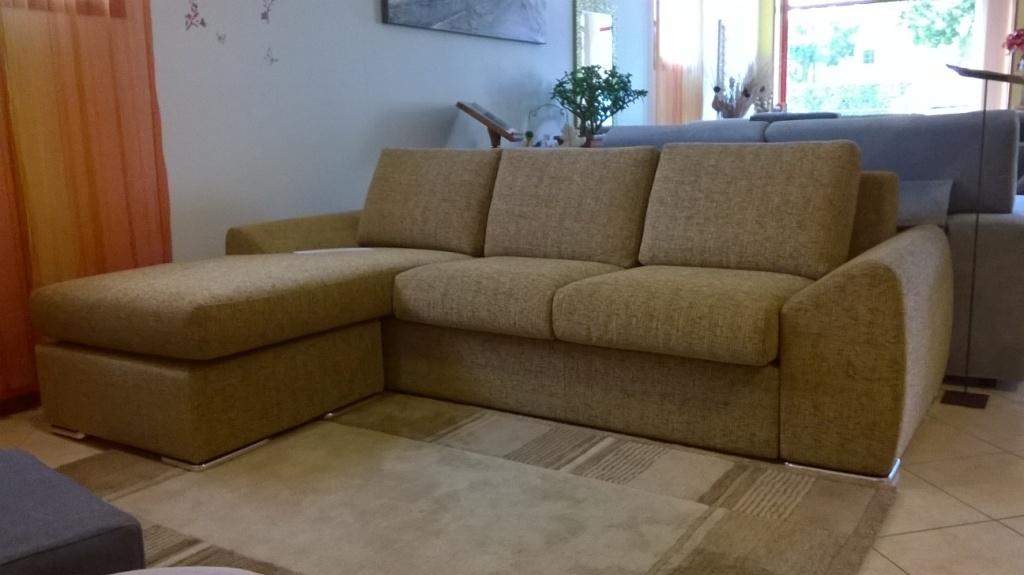 Divano con chaise longue moderno divani a prezzi scontati - Divano 250 cm ...
