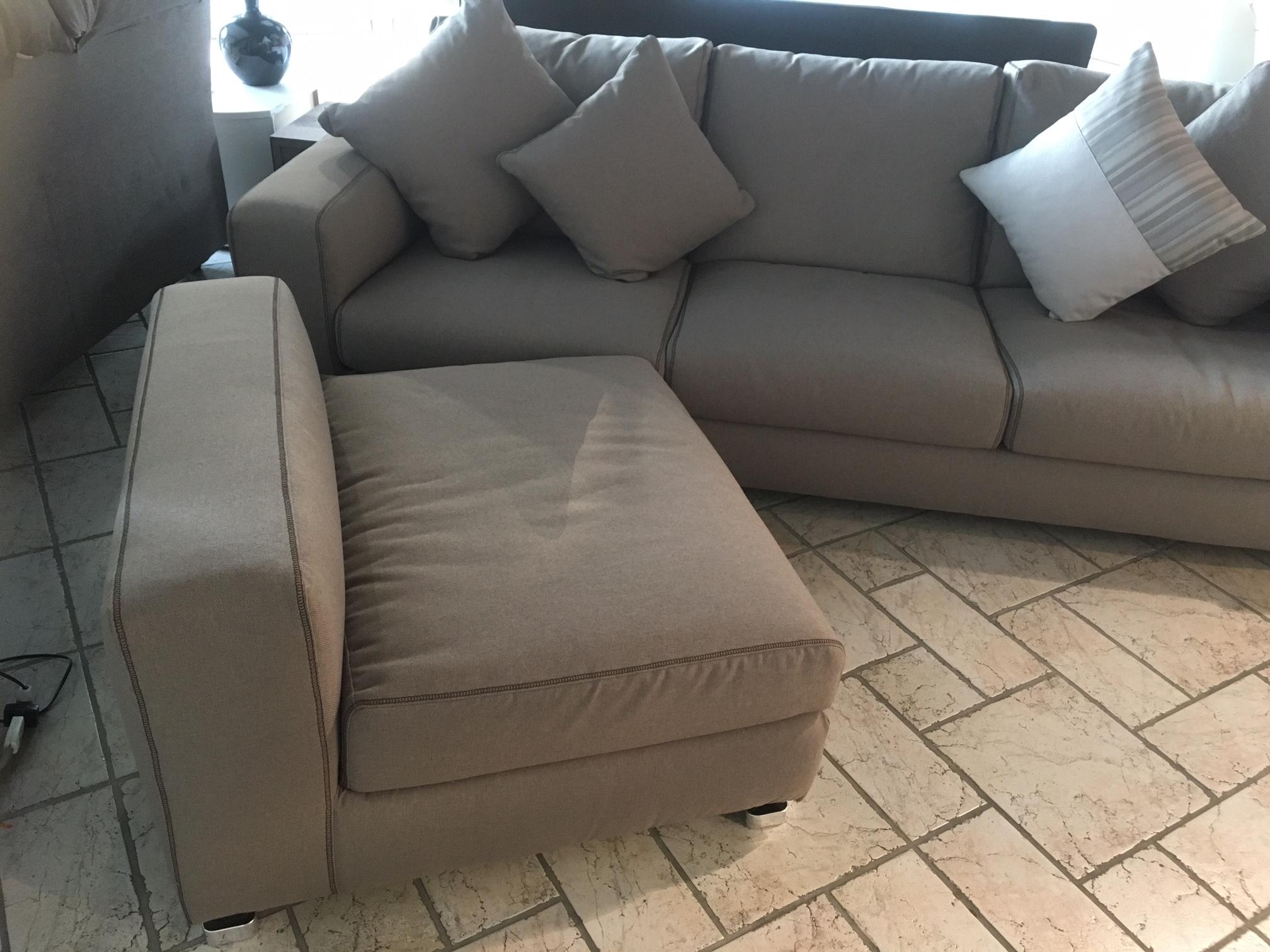 Divano con chaise longue reversibile in promozione - Divano con chaise longue ...