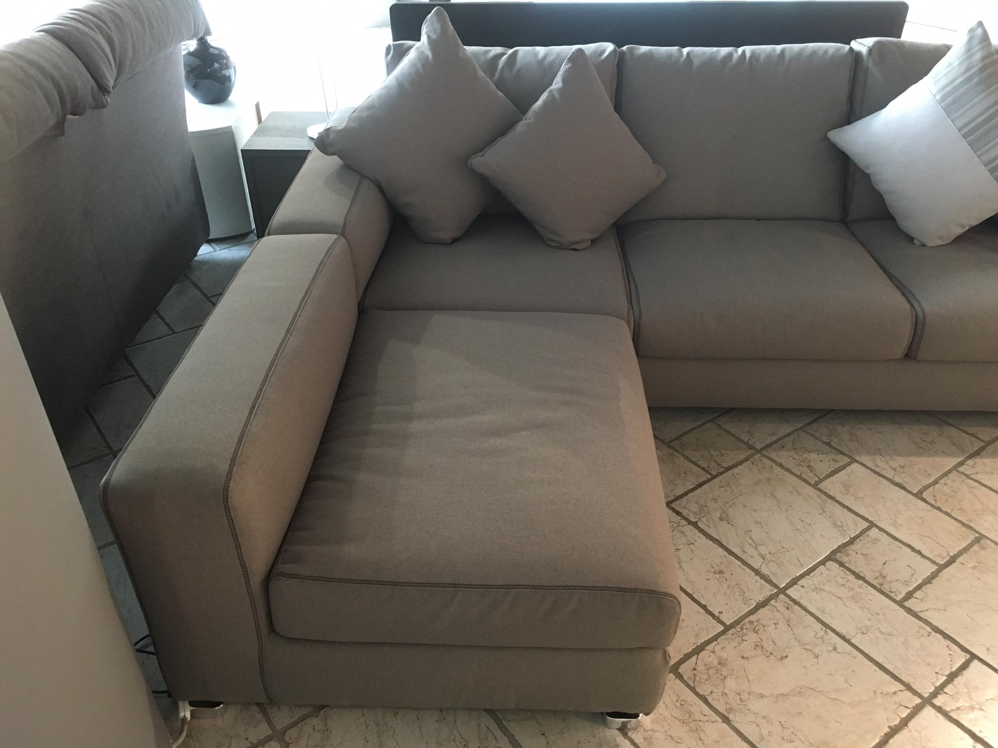 Divano con chaise longue reversibile in promozione divani a prezzi scontati - Divano 4 posti con chaise longue ...