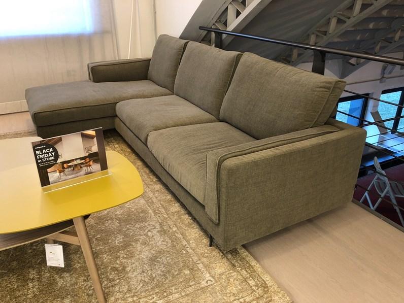 Divano con penisola divano mod metro hight calligaris for Borgonovo arredamenti
