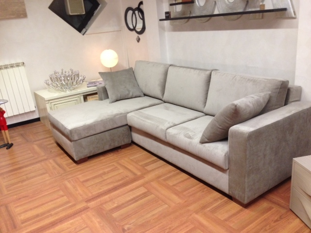 Divano con penisola intercambiabile divani a prezzi scontati for Divani moderni con penisola