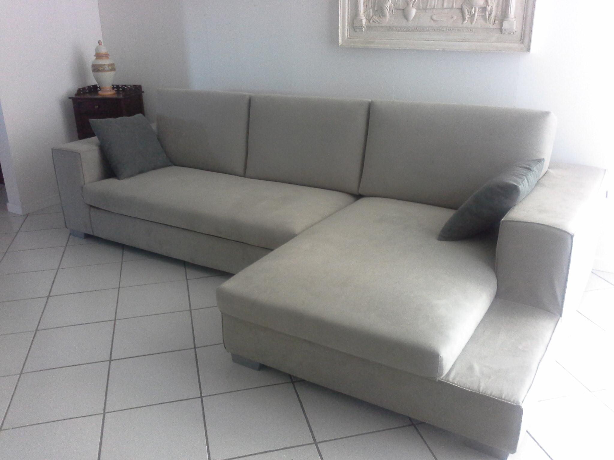 Divano con penisola scontatissimo divani a prezzi scontati for Mascagni arredamenti