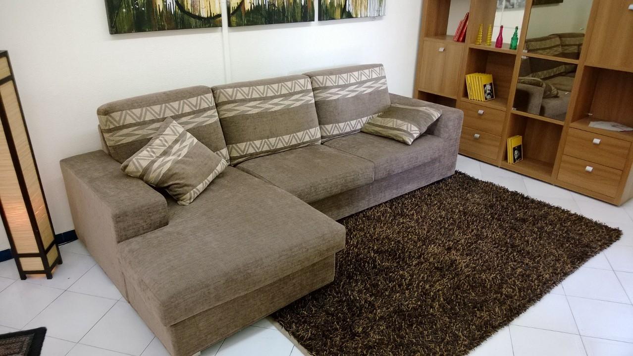 Divani moderni milano divano moderno angolare divani - Stock mobili brescia ...