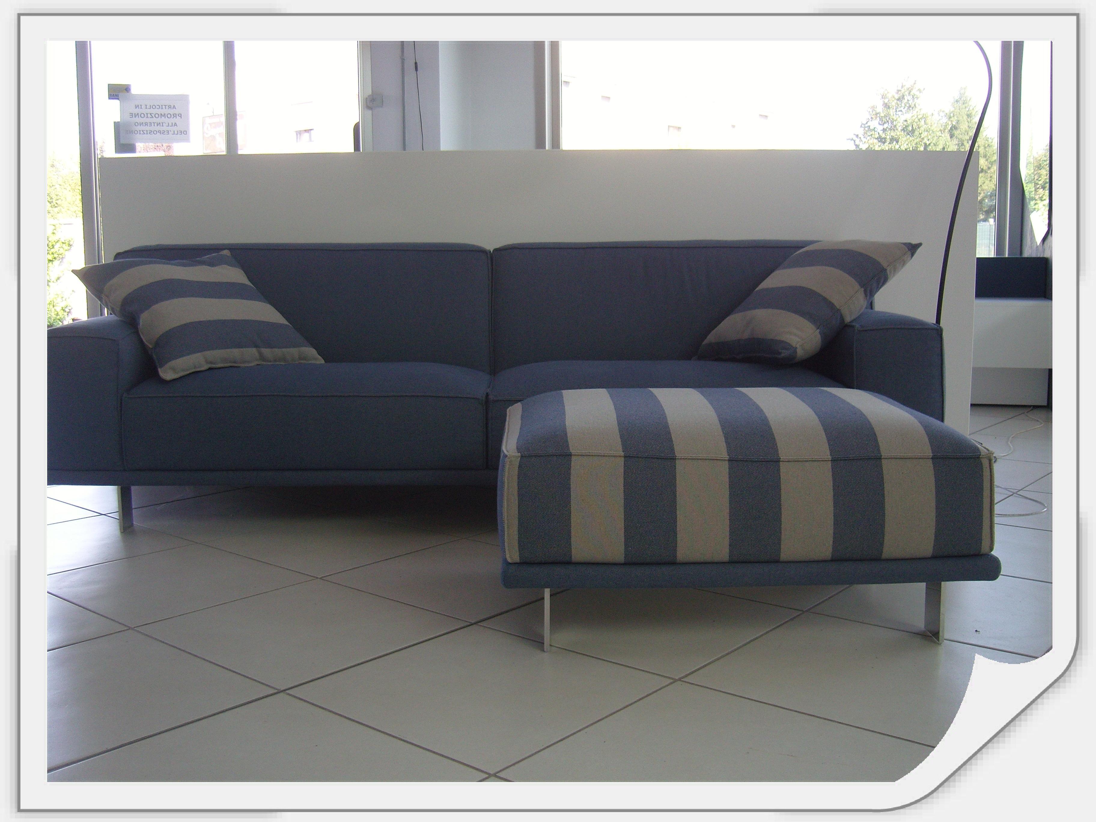 Divano con pouf divani a prezzi scontati - Pouf per divano ...