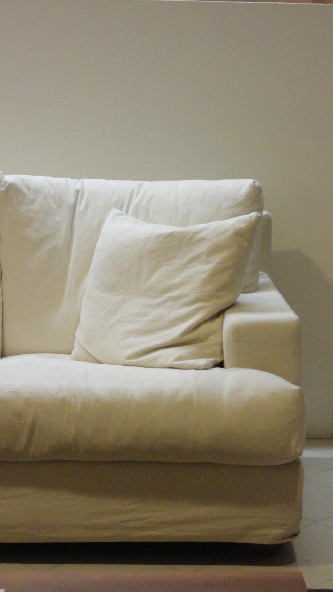 Divano cristian salotti divano divani lineari tessuto for Mopar arredamenti