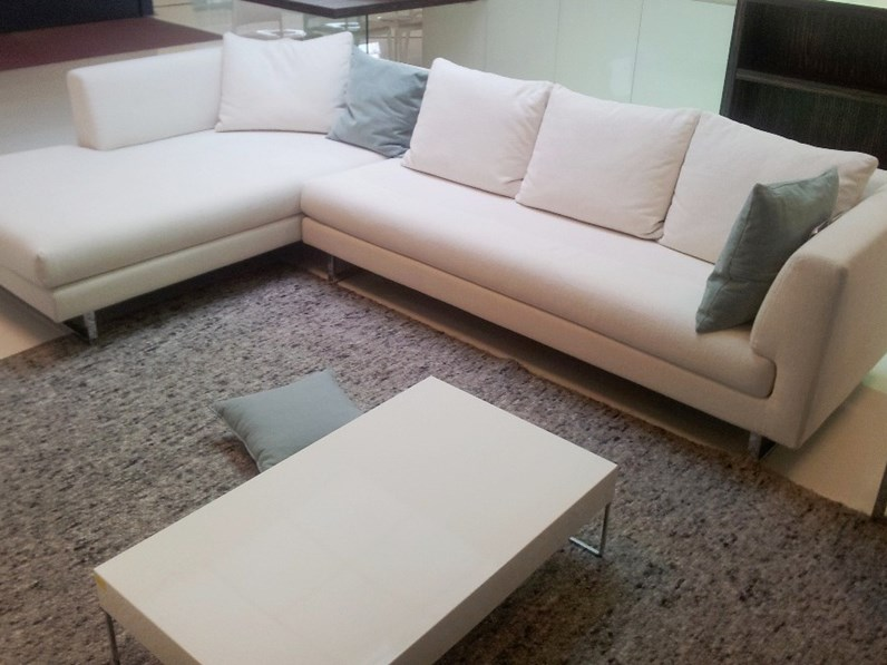 Divano cristian salotti xelle divani con chaise longue tessuto for Visma arredo divani