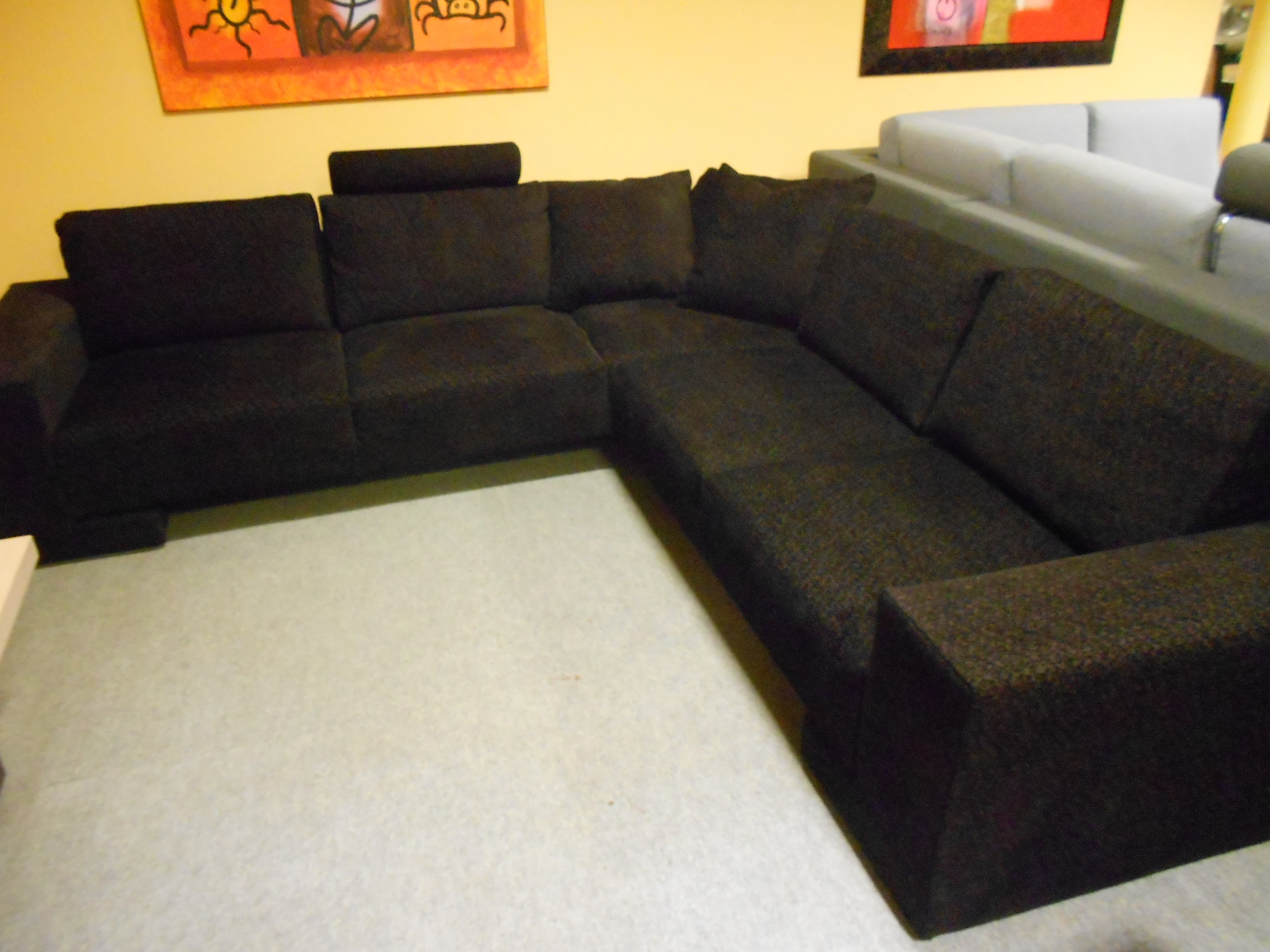 Divano dema divano ad angolo scontato del 59 divani a for Divano enorme