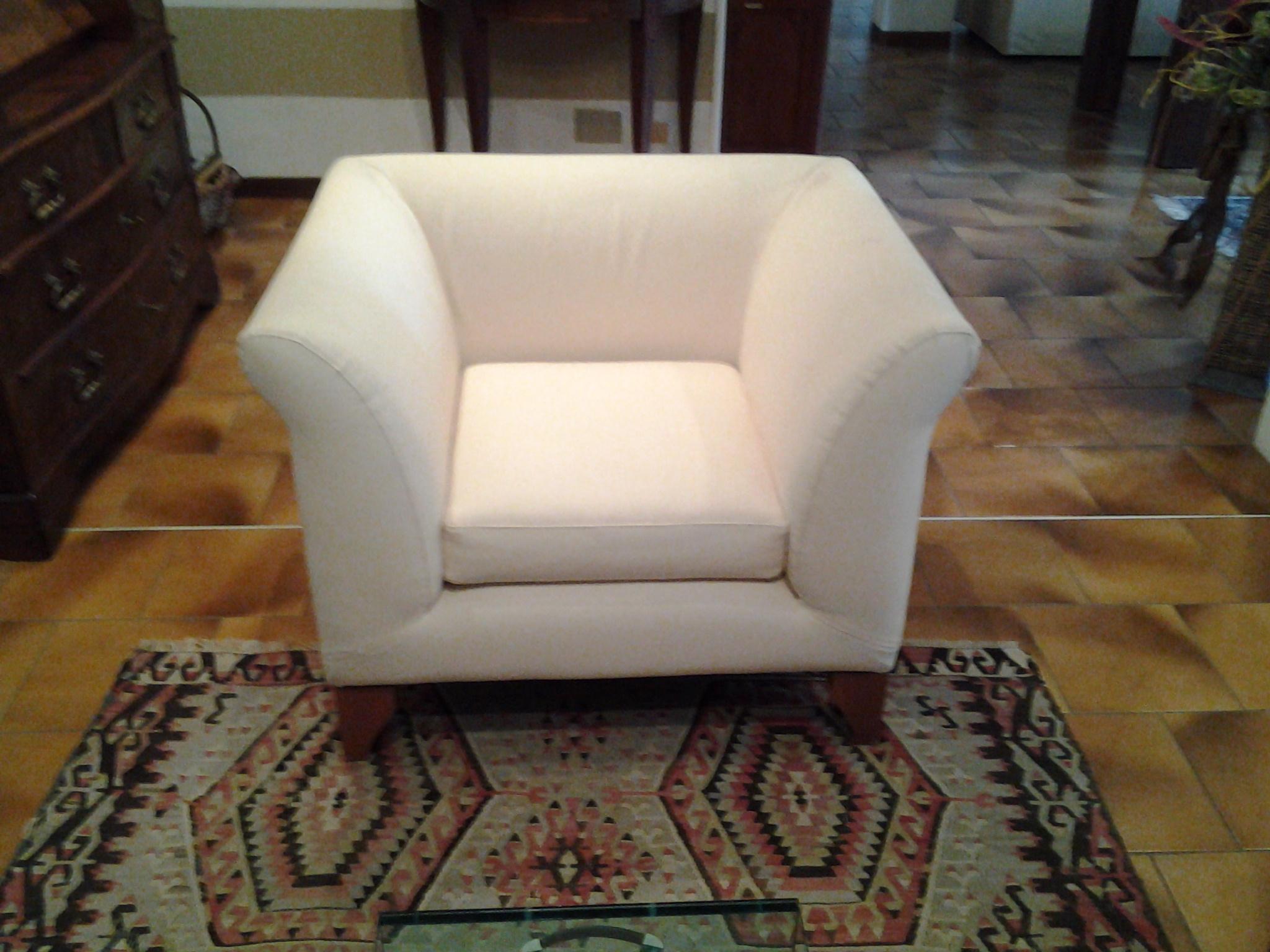 Divano dema ottomane divani con poltrona tessuto divano 2 for Divani a 2 posti
