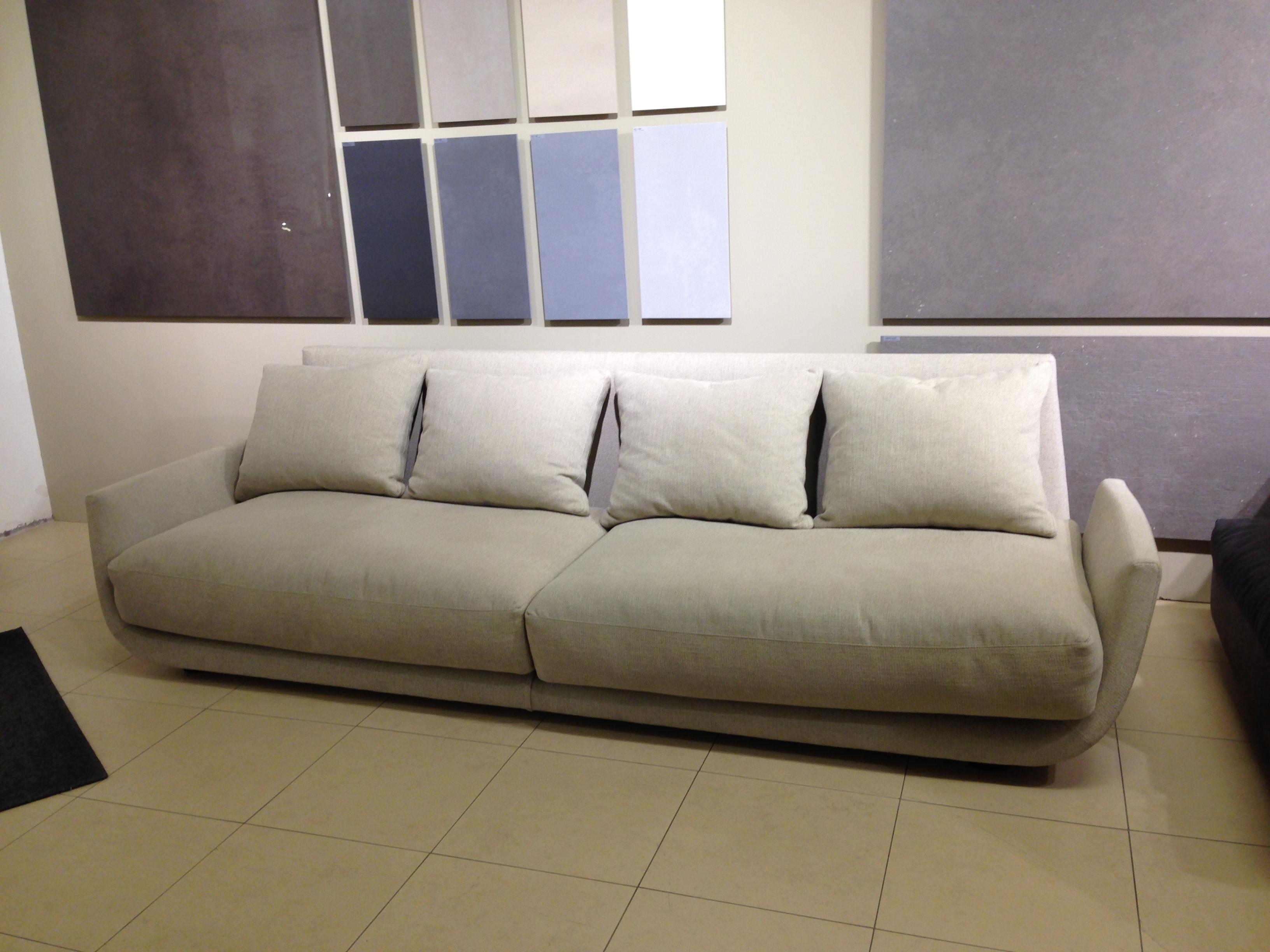 Divano desiree in offerta divani a prezzi scontati - Rivestimento divano ikea ...
