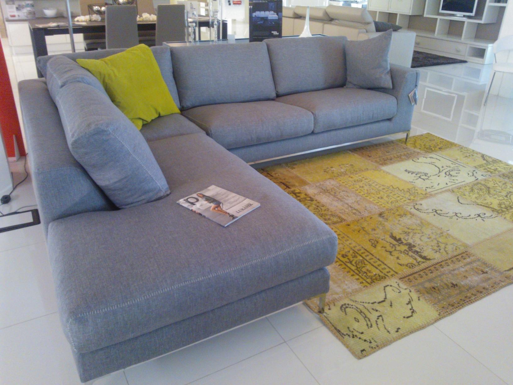 Divano ditre italia artis scontato del 51 divani a - Altezza seduta divano ...