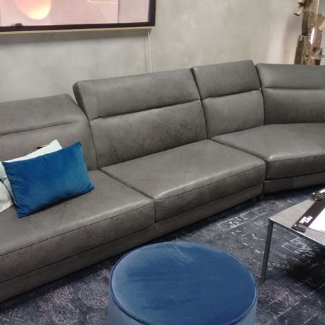 Offerta divano ditre italia dunn pelle scontato del 50 - Divano profondita 70 ...