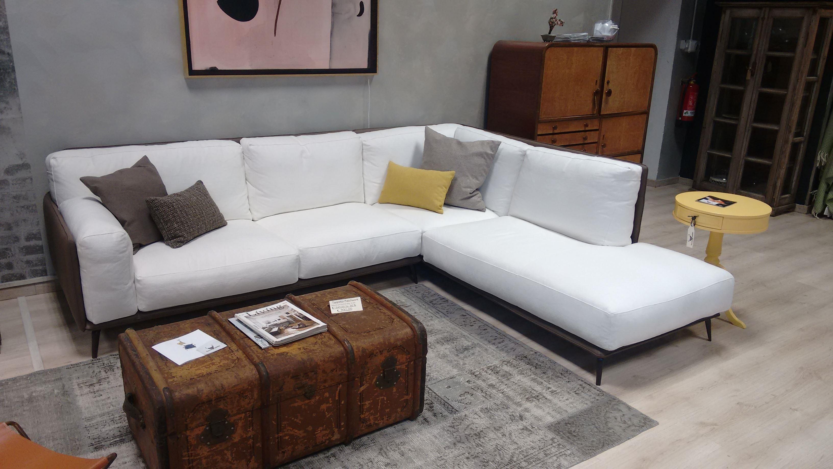 Divani bianchi in tessuto: divano blu cuscini bianco spunti per ...