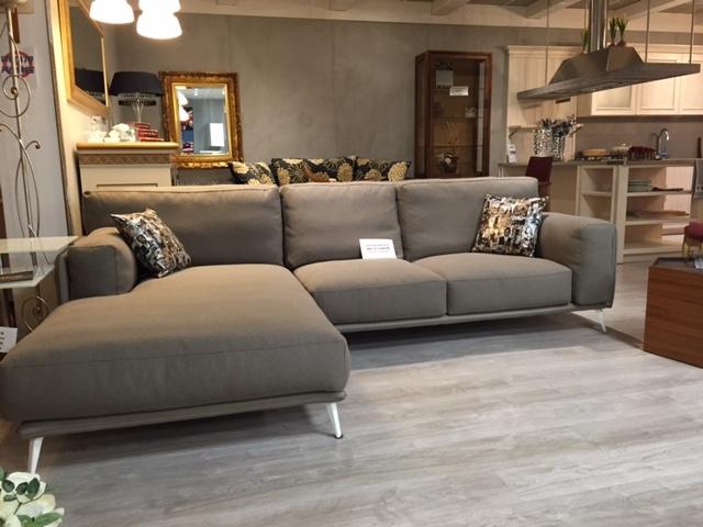 Divano ditre italia kris scontato del 59 divani a - Design degli interni roma ...
