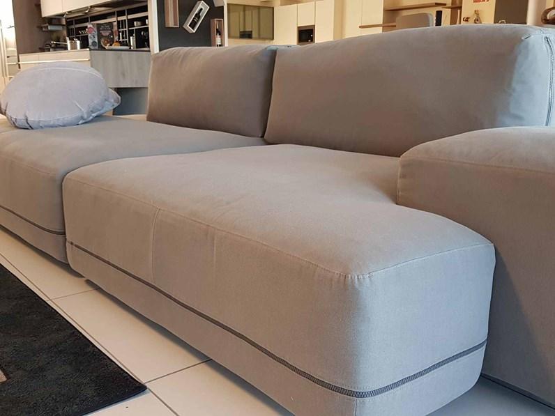 Outlet divano sanders ditre italia 2018 for Divani design italia