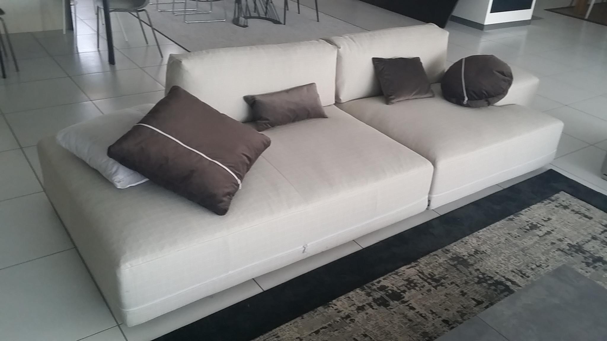 Divano ditre italia sanders offerta divani a prezzi scontati for Offerta divano