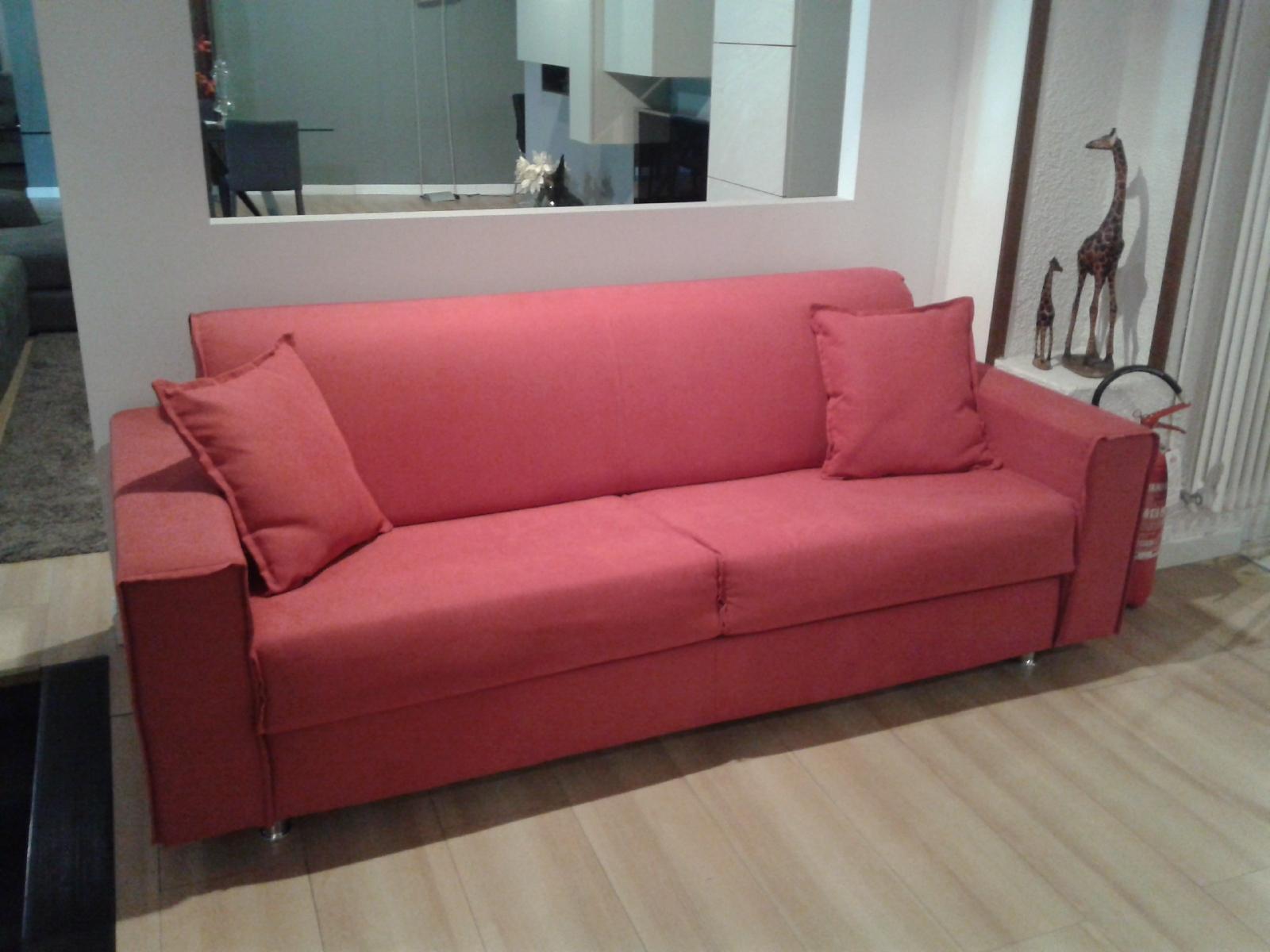 Divano letto modello milano divani letto tessuto divano 3 for Divano letto 3 posti