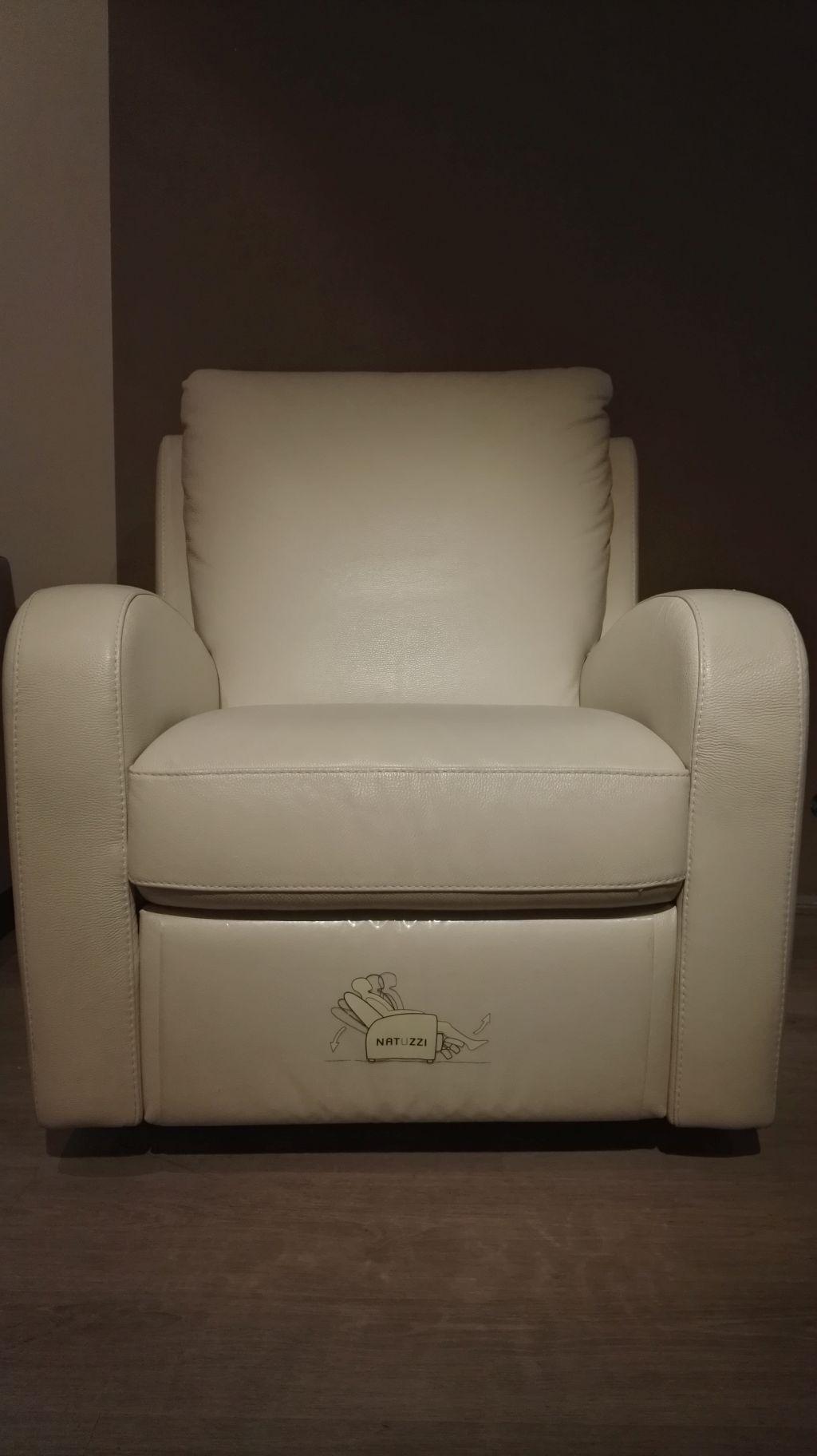 Divano divani divani by natuzzi spencer pelle scontata - Divano pelle natuzzi ...