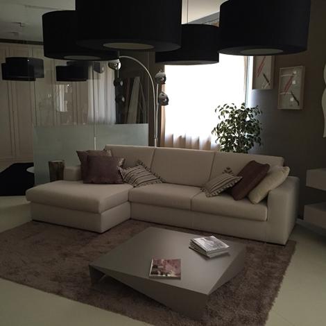 Divano doimo salotti doimo salotti alfa divani con chaise longue divani a prezzi scontati - Costo rifoderare divano ...