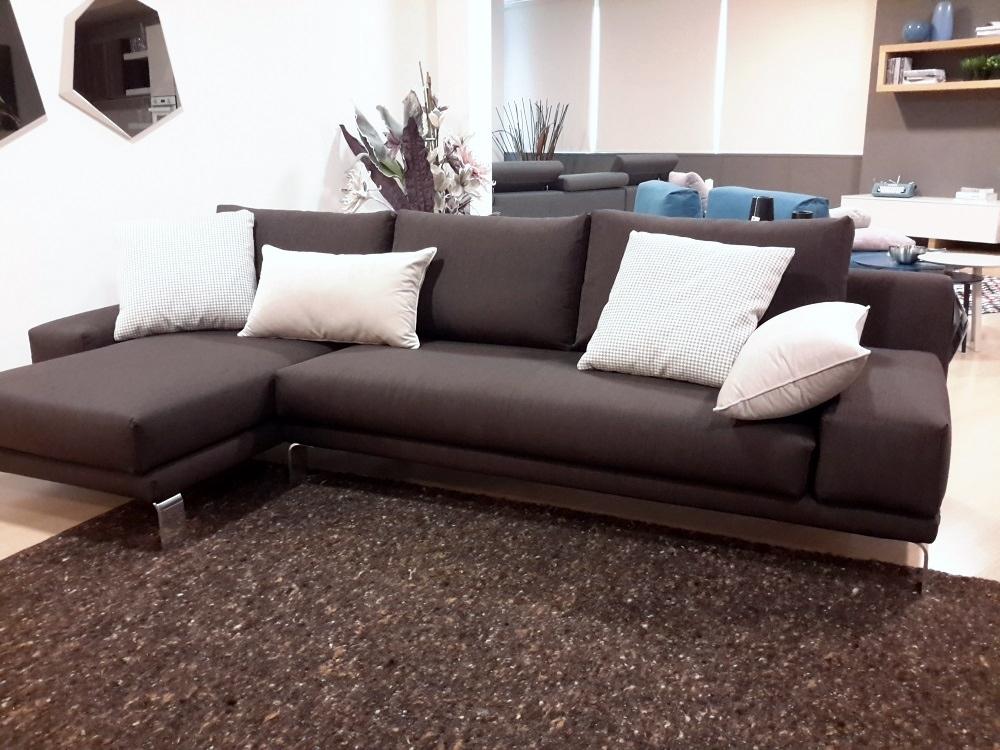Divano doimo salotti logan tessuto divani a prezzi scontati for Divani larghezza 150 cm