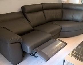 Outlet divani pelle sconti fino al 70 for Sconti divani