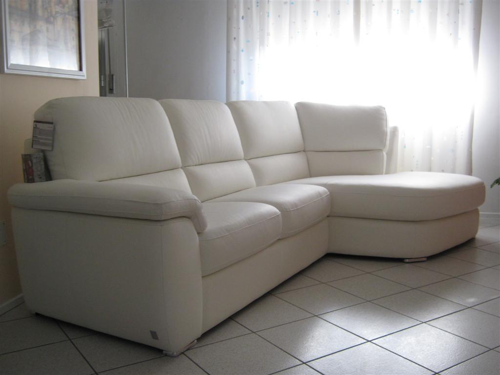 Divano in pelle offerta divani a prezzi scontati - Prodotti per la pulizia del divano in pelle ...