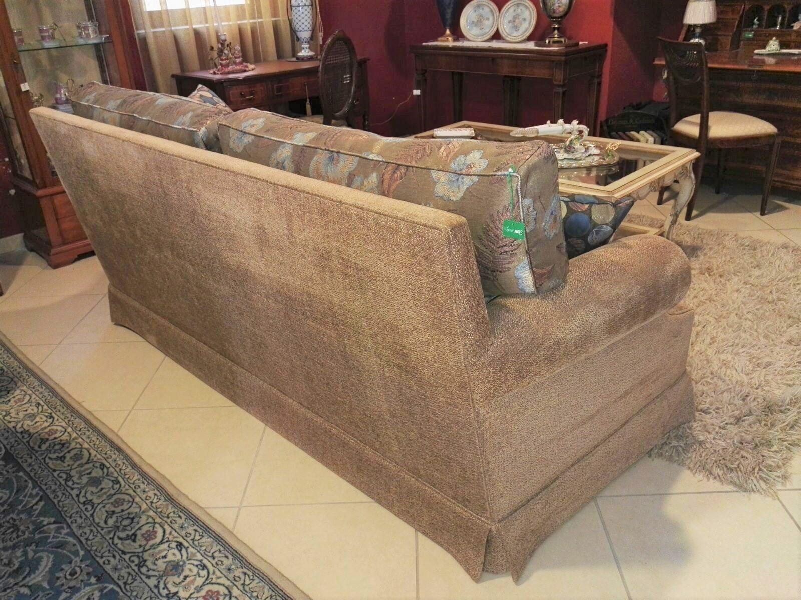 Divano due posti grande in stoffa categoria lusso scontato al 40 divani a prezzi scontati - Divano al dimensioni ...