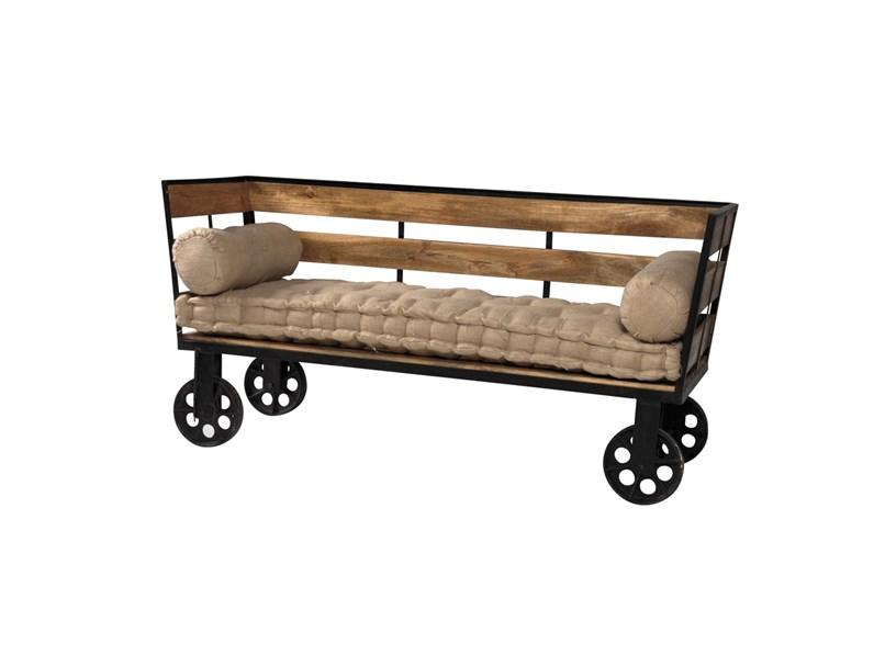 Divano etnico outlet divano industrial con ruote struttura for Divani e divani in offerta
