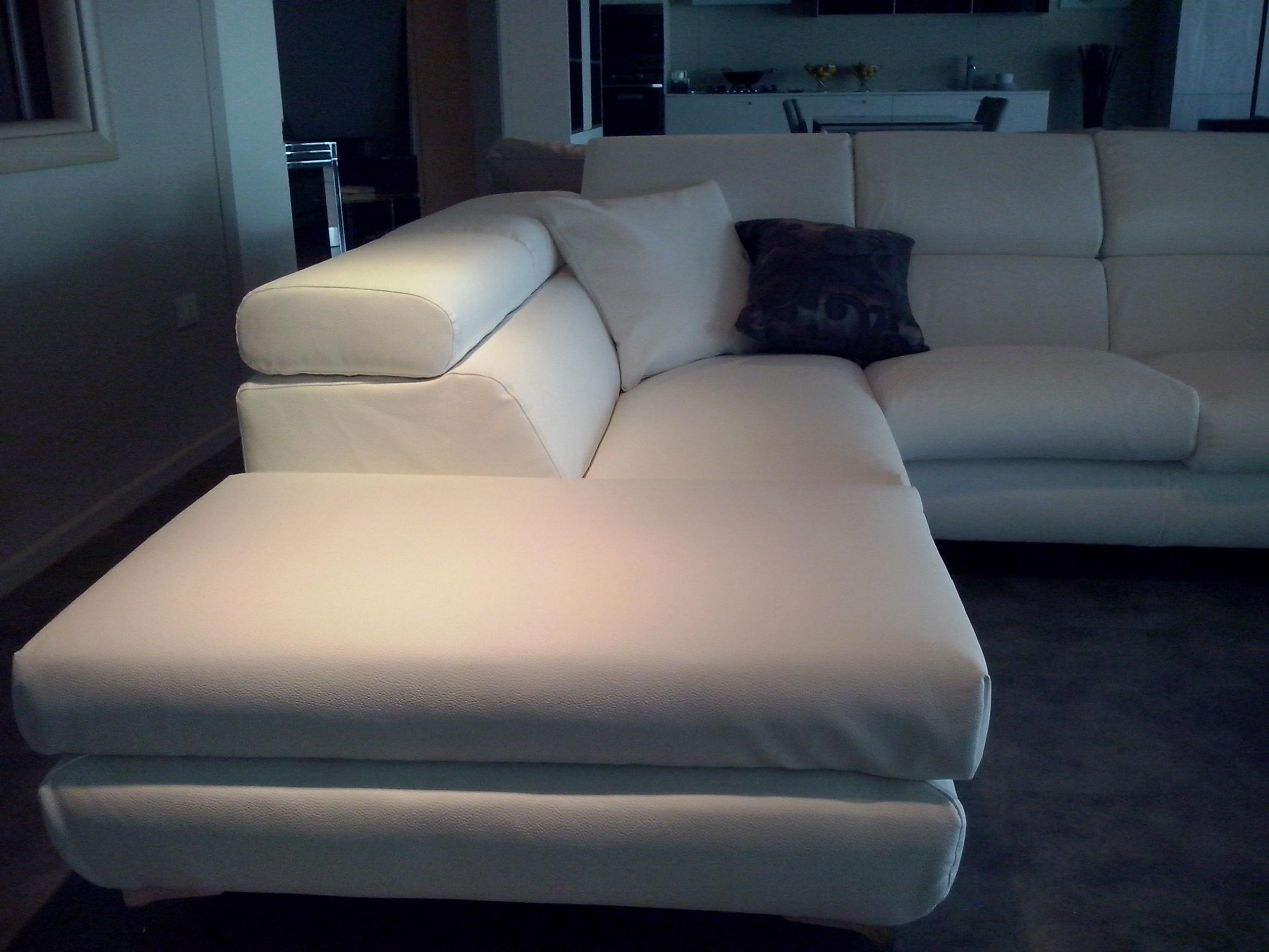 Letto ad angolo misure design casa creativa e mobili - Divani letto in pelle offerte ...