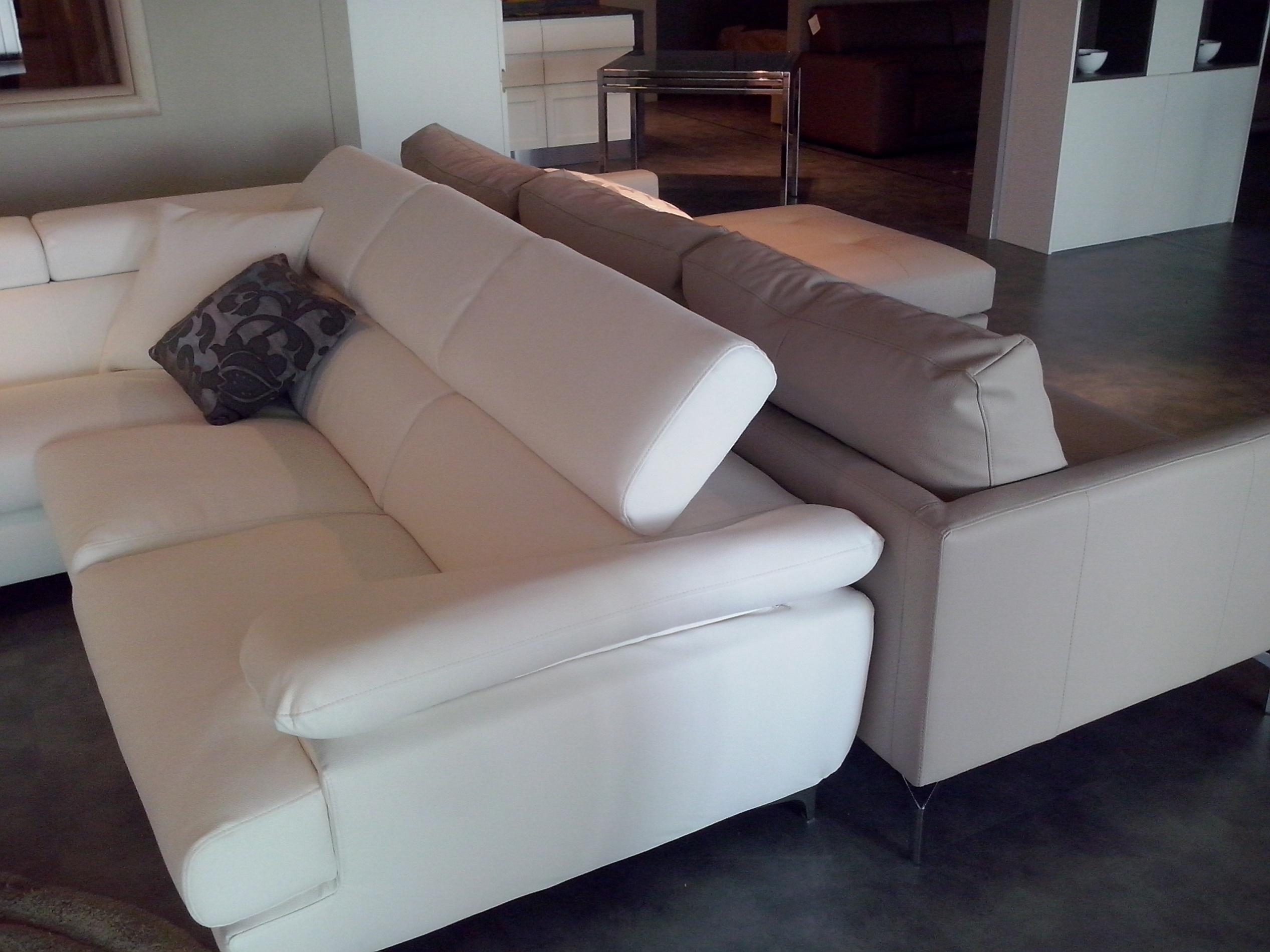 Divani in pelle ad angolo moderni prezzi for Prezzi divani moderni