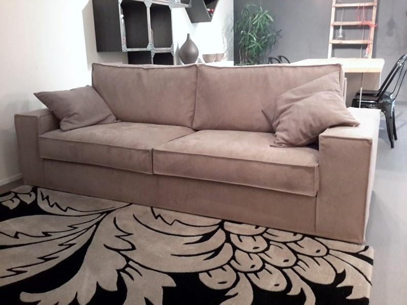 Divano exc ingrid scontato del 33 divani a prezzi for Castellucci arredamenti