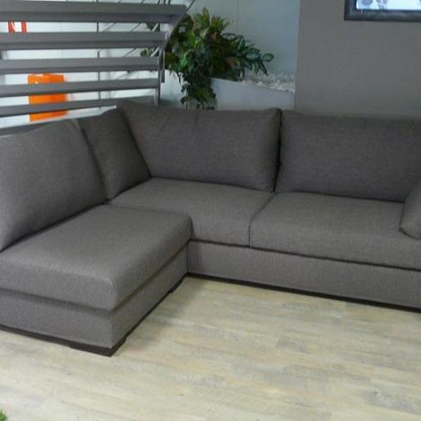 Divano fabbri salotti divano modello natal divano for Divano angolare tessuto prezzi
