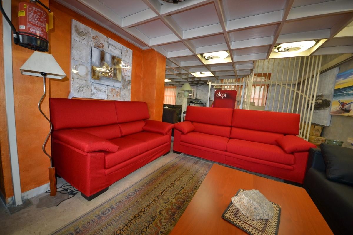 Divano fabbri salotti everest divani a prezzi scontati - Costo rivestimento divano ...
