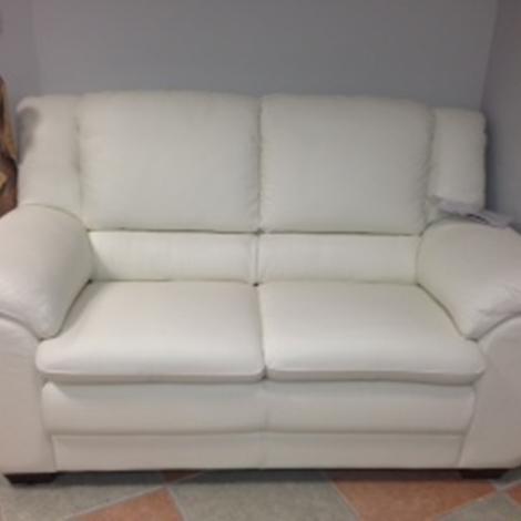 Divano in pelle 2 posti offerta divani a prezzi scontati for Divani letto 2 posti in offerta