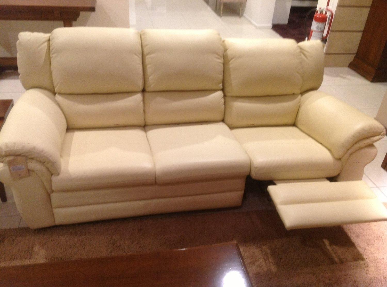 Divano in pelle beige a 3 post divani a prezzi scontati for Misure divani angolari 3 posti