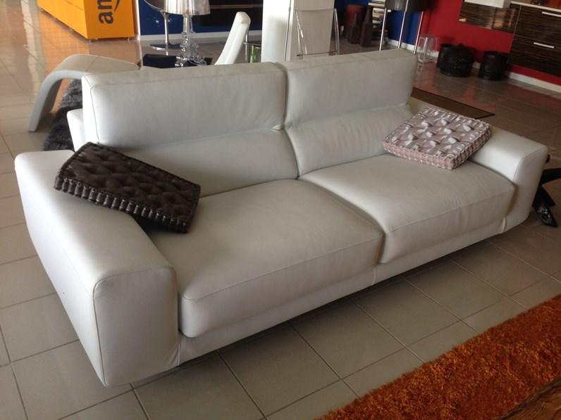 Divano in Pelle Bontempi divani a prezzo ribassato