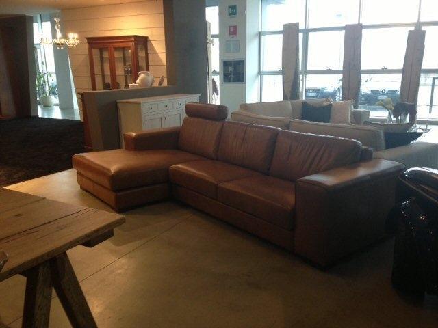 Divano Cuoio Moderno : Divano in pelle cognac divani a prezzi scontati