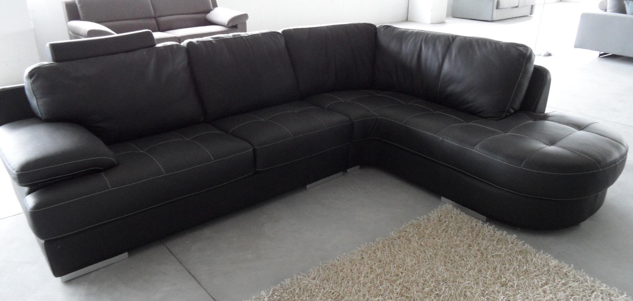 Divano angolare kermes scontato del 50 divani a prezzi scontati - Divano in pelle nero ...