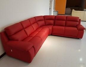 Outlet divani pelle sconti fino al 70 for Divano in pelle rosso