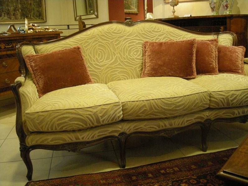 Divano luigi xv scontato del 60 divani a prezzi scontati for Outlet del divano