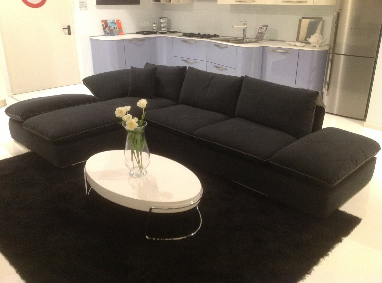 Divano in tessuto antracite divani a prezzi scontati for Divano tessuto